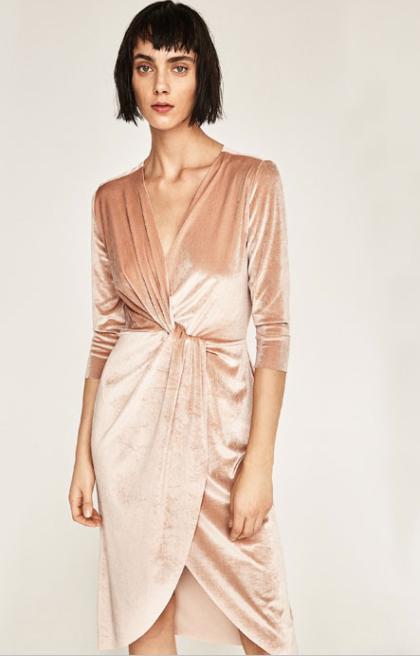 robe-en-velours-croisee-nude