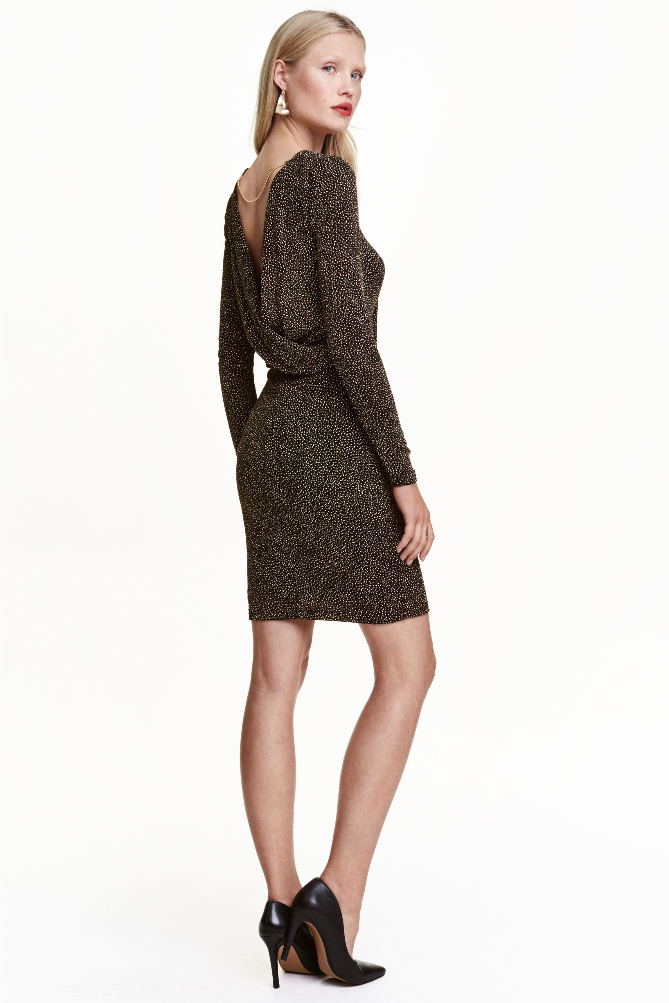 robe-scintillante-noir-dore
