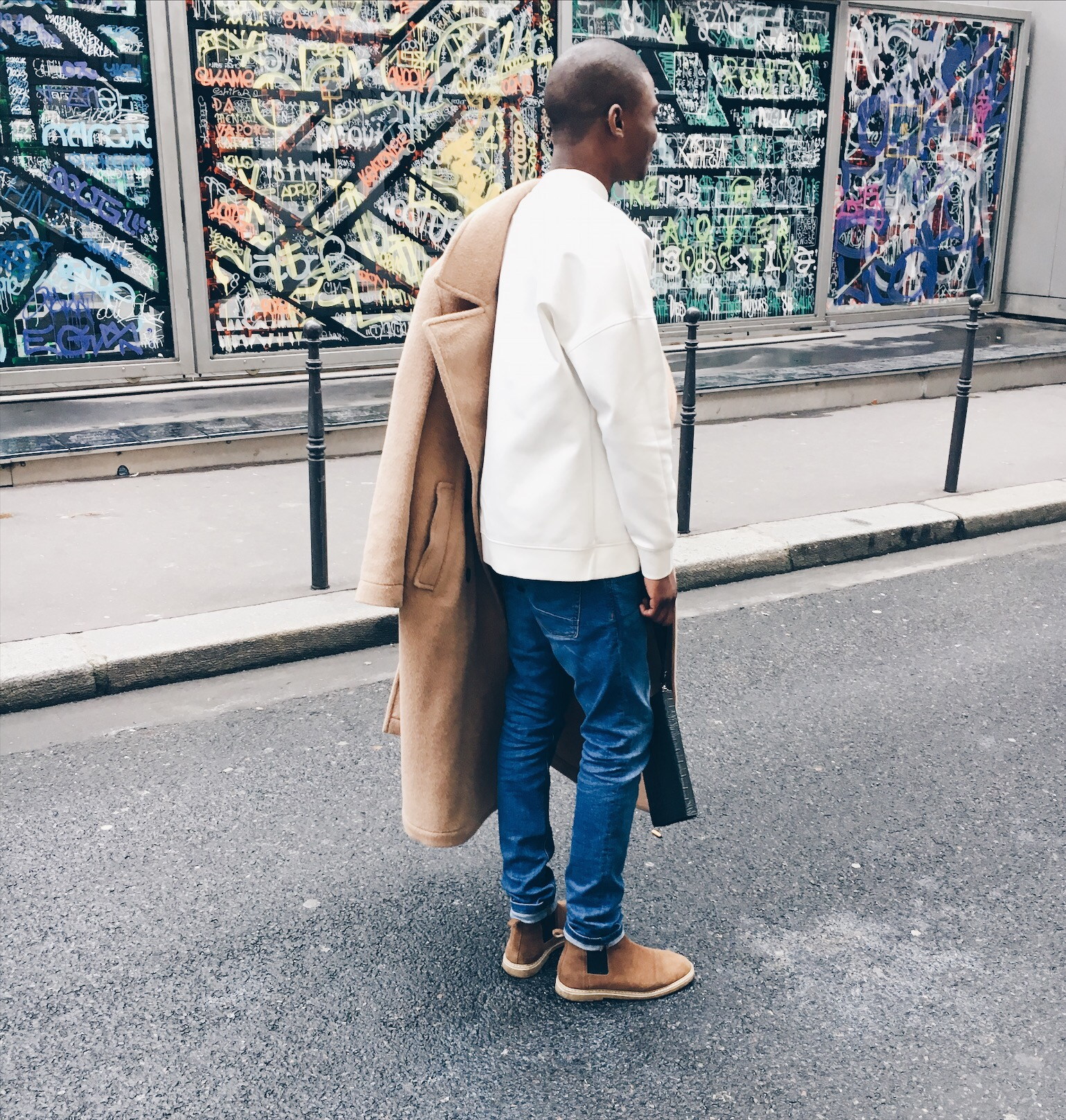 details-outfit-elton